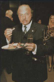 dennis franz eating