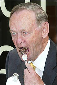 Jean Chretien eating